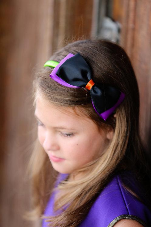 halloween hair accessory in girls long hair