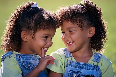 definition-of-identical-twins.jpg