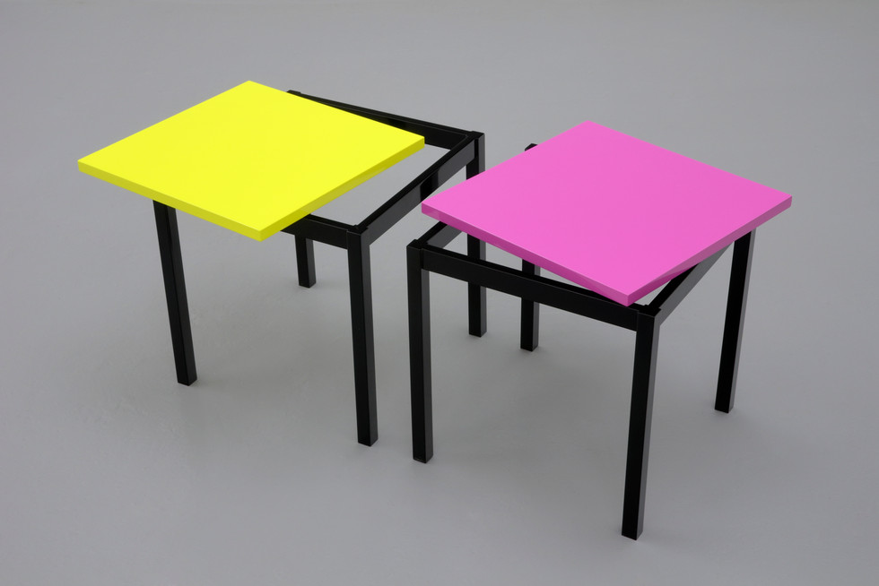 Lars Wolter | Off-centre tables
