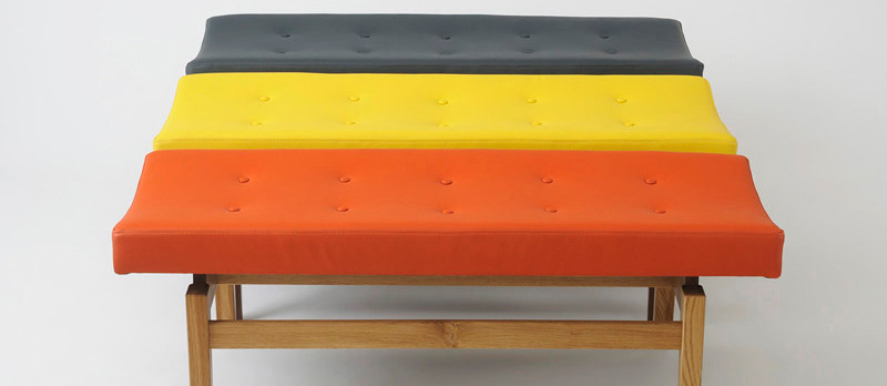 U 621 upholstered bench