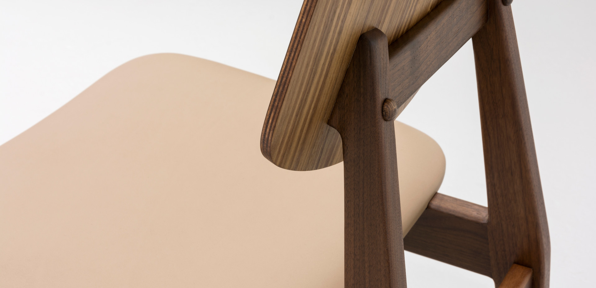 C 275 side chair