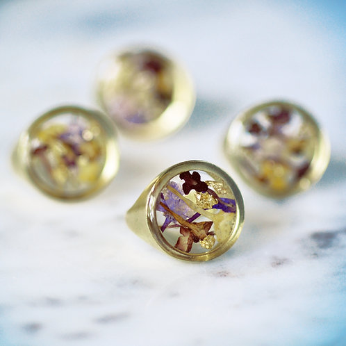 Flowers for Friends Botanical Ring preserved pressed flowers + gold leaf