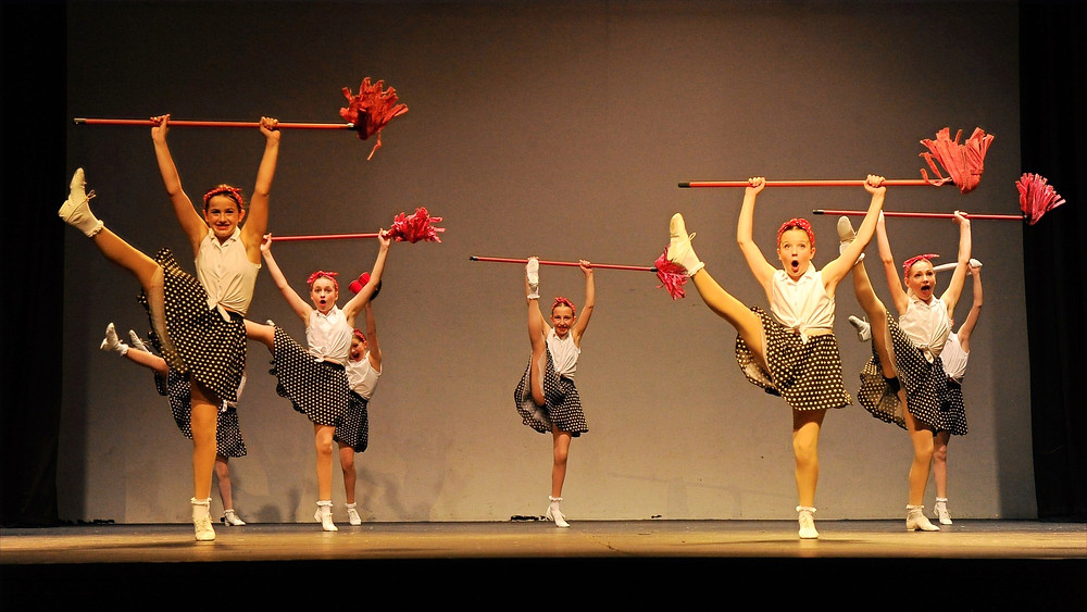 Jiving Dancers
