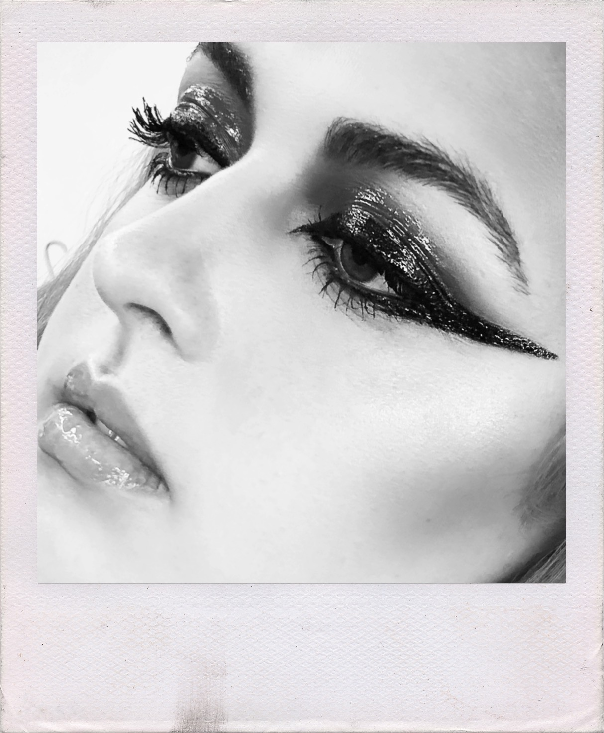 MAKEUP for B&W PHOTOGRAPHY for CMS