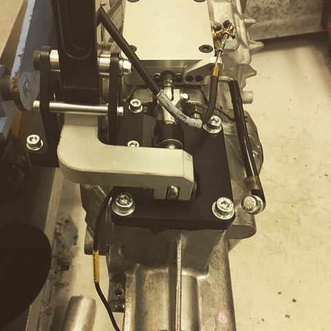 The _pfitznerperformancegearbox _calvomotorsports Viper T56 sequential gear system
