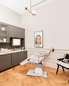 04_LA-Location_Treatment-Room_IG-Feed.jpg