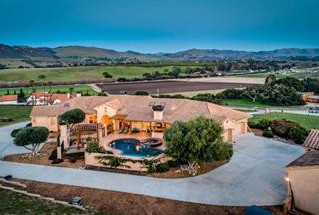 Paul and Sherri sold this for $1,628,500 Escrow Closed 30 days