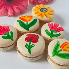 Hand Drawn Flowers Macaron.JPG