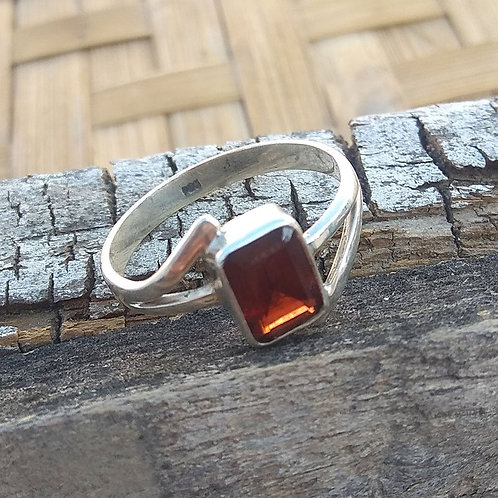 Natural Garnet Ring in 925 Sterling Silver