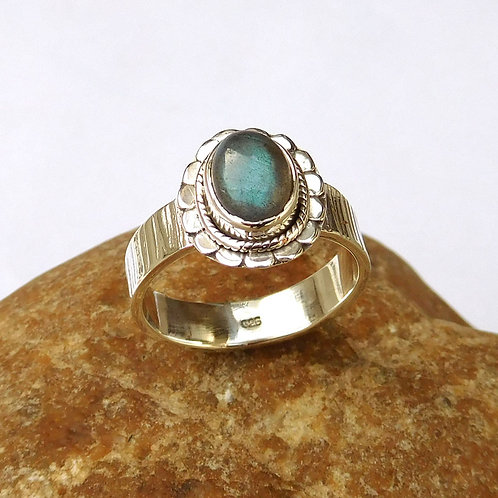 Handmade Sterling Silver Ring Labradorite in 925 S.