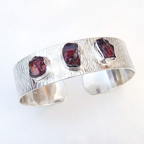 925 Sterling Silver Cuff Bracelet with Natural Garnet Stone