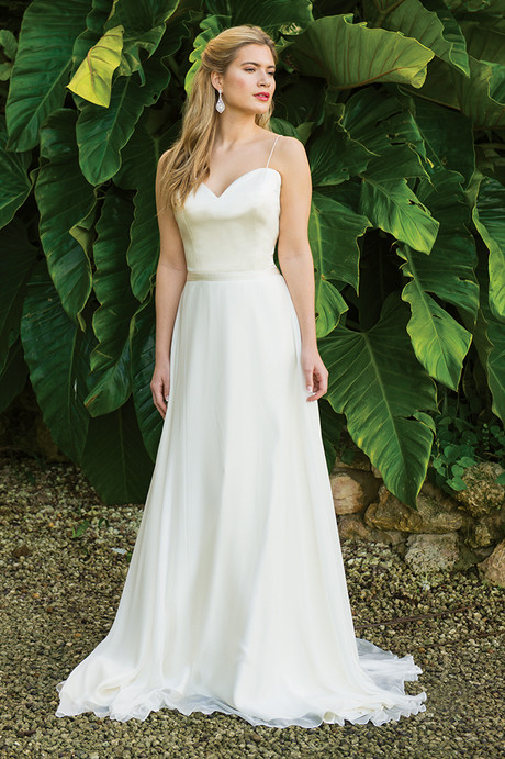 Pure Grace | Ivory & Co | Willow Bridal