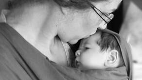 Slingando - saudades do filho recém nascido. Quem nunca?