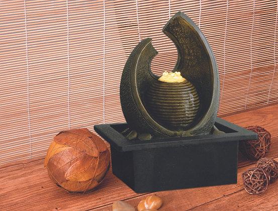 Sculpture 21x17x25(H) cm Case of (6) Unit Price £14.95