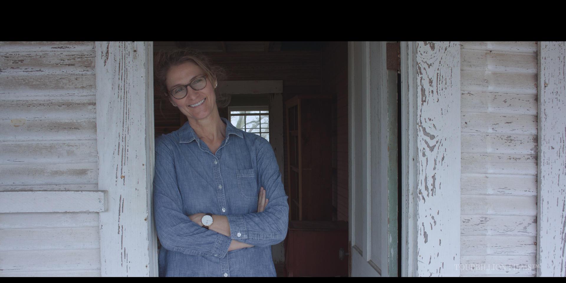 Lisa Crosthwait (Helen Rowan)