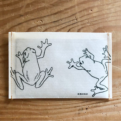 【 カエルの通帳ケース 】
