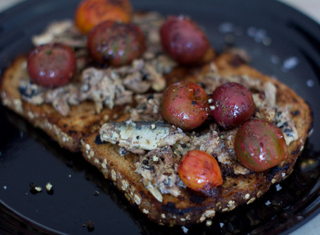 Une Tranche d'Amour: Sardine Toast