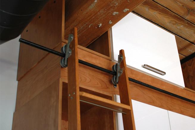 13 closet detail.jpg