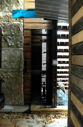 04_door open.jpg
