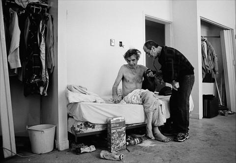 Gilles Kègle,l'infirmierde la rue
