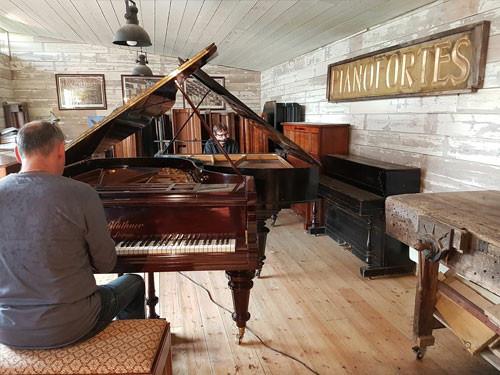 piano-repair_devon.jpg