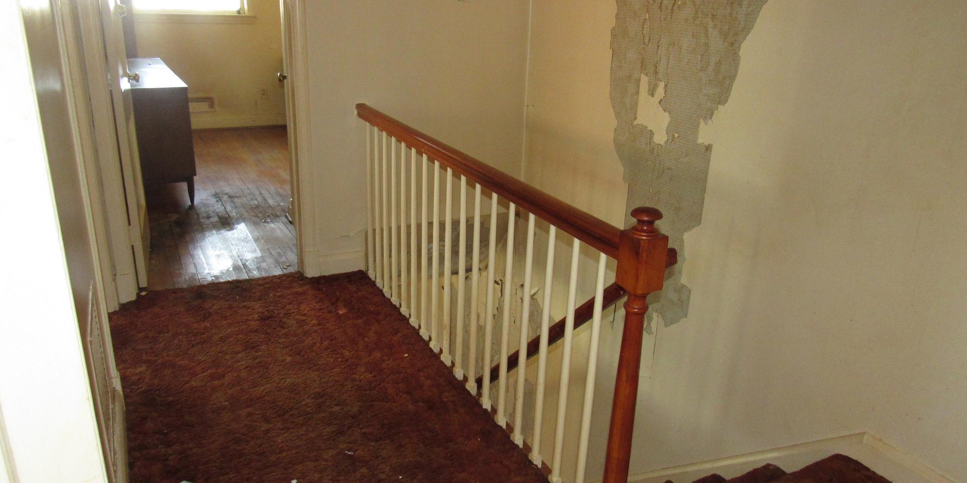 350 Hallway.JPG