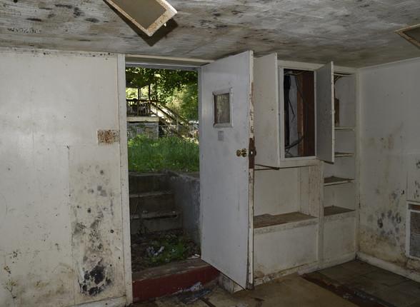 27.0 Basement Apartment Entry.jpg