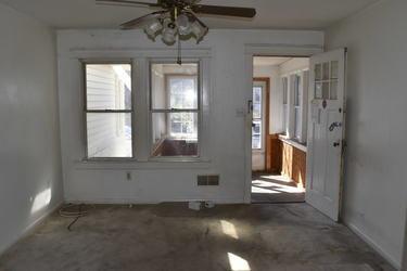 05 Living Room.jpg