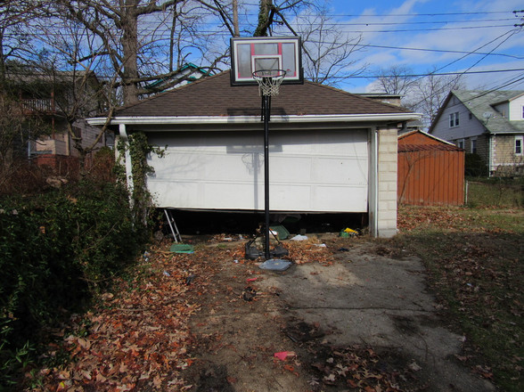 33 Detached Garage AJPG.jpg