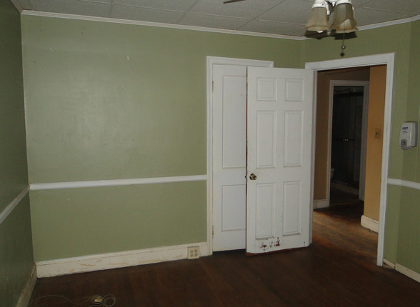 08 - First Apt Bedroom 1.JPG