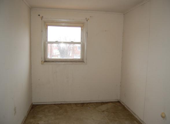 7.0 Third Bedroom_Office.JPG