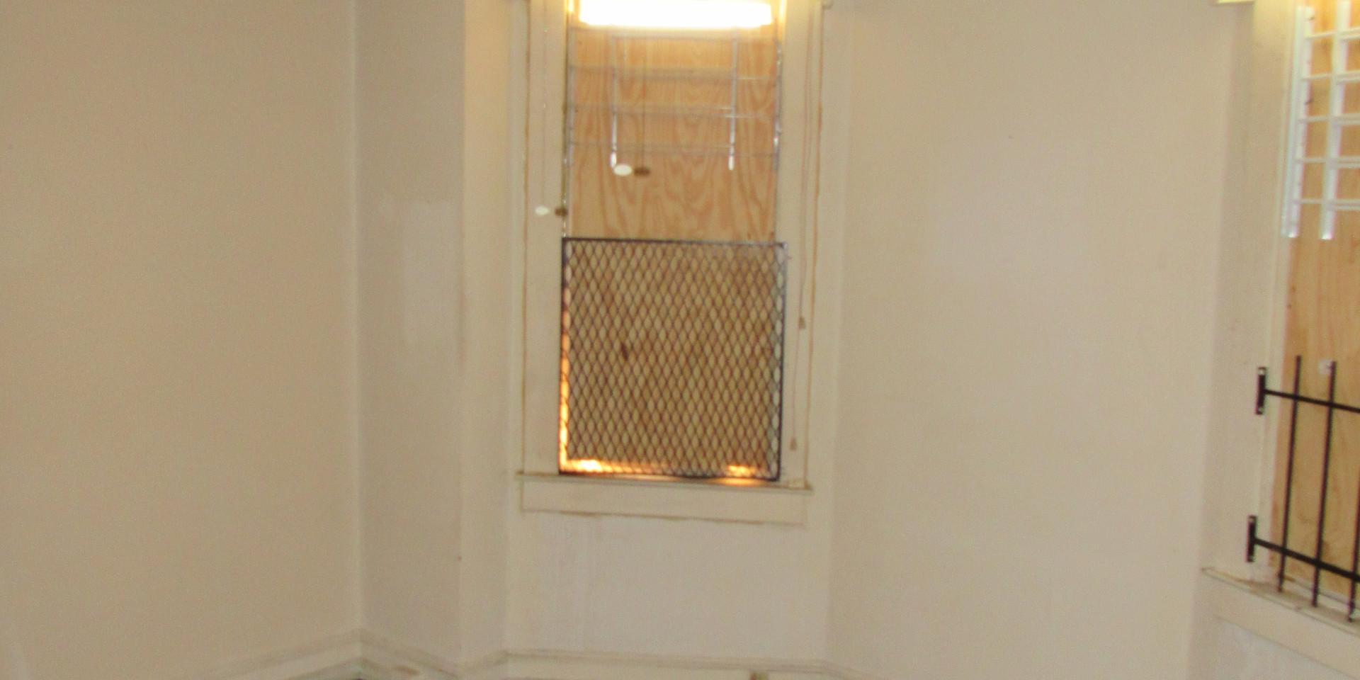 J Bedroom 3.JPG