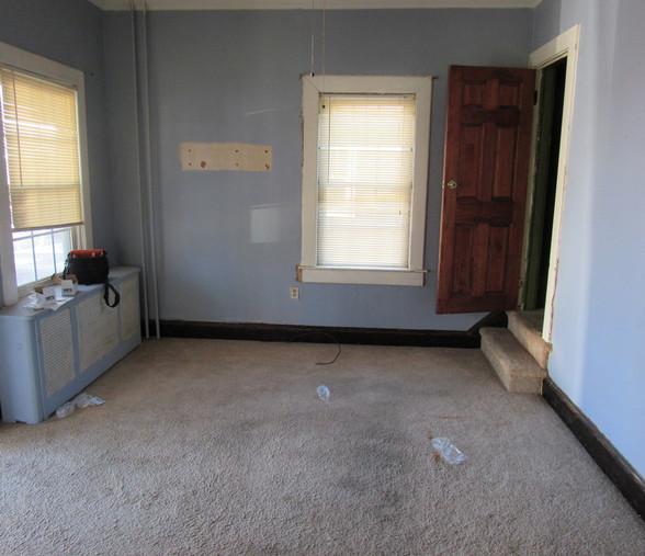 100 Living RoomJPG.jpg