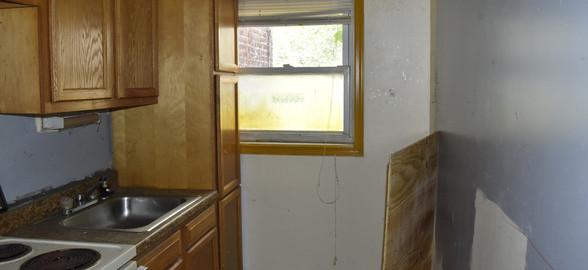 170 Kitchen (Apt 2).jpg