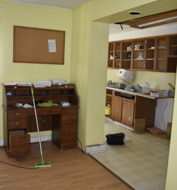 06 Dining RoomJPG.jpg