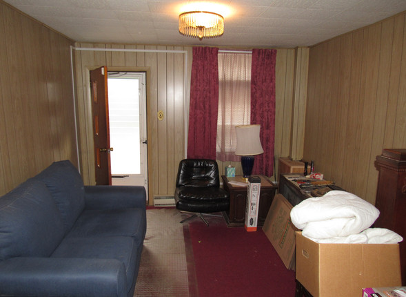 02 - Living room A.JPG