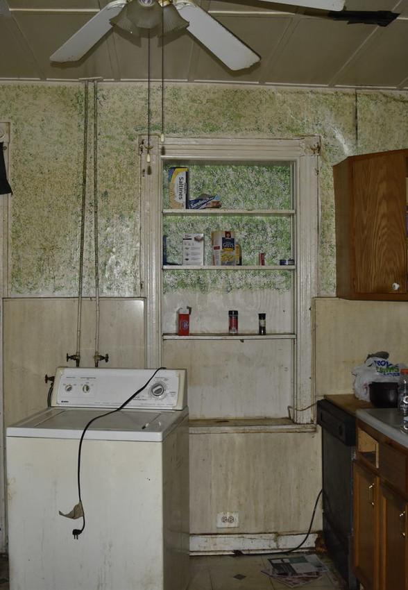 06 KitchenJPG.jpg