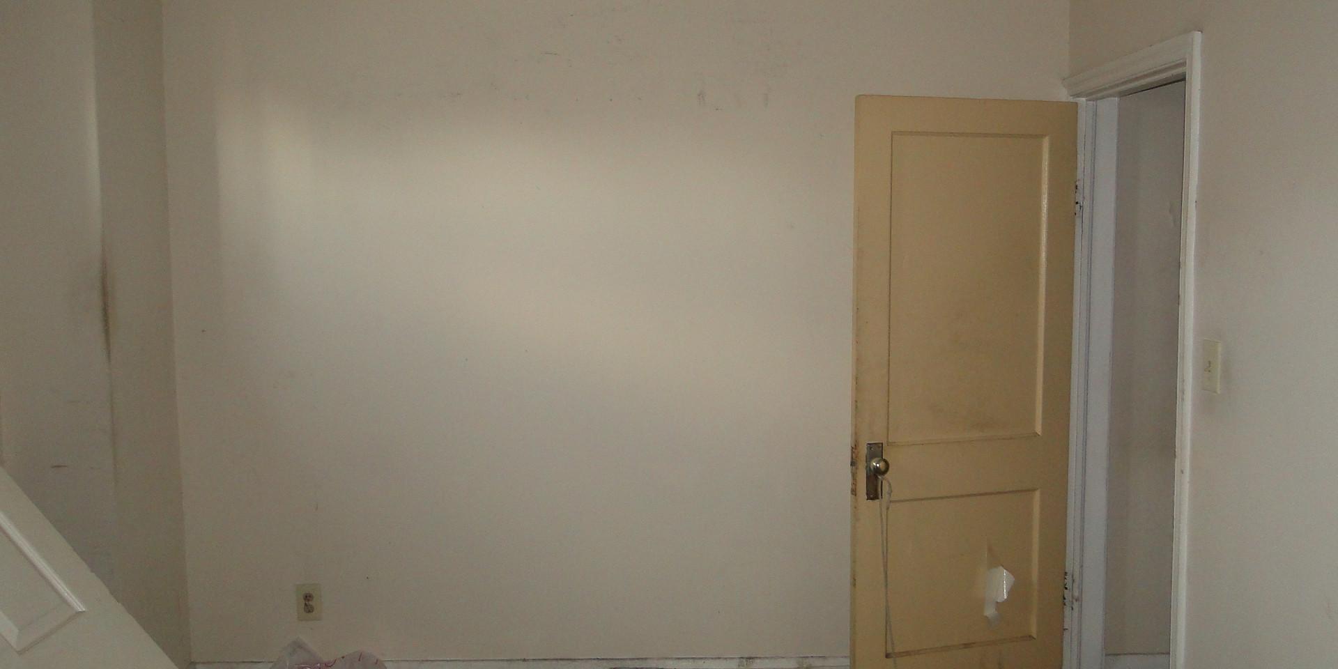 04 - Main Level Bedroom 1.JPG