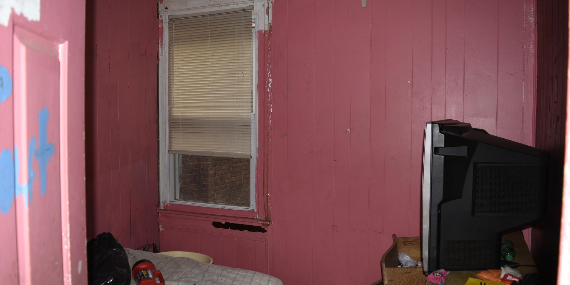 010 Second Bedroom 3.jpg