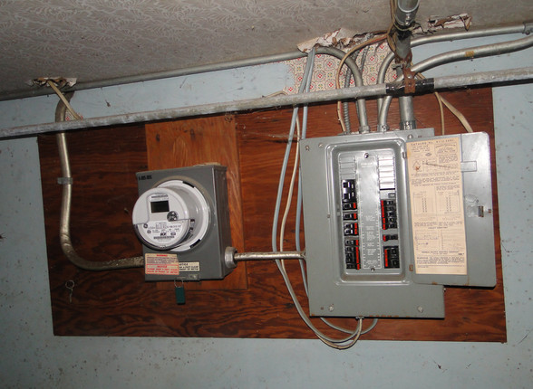 18 - Electric Panel.JPG