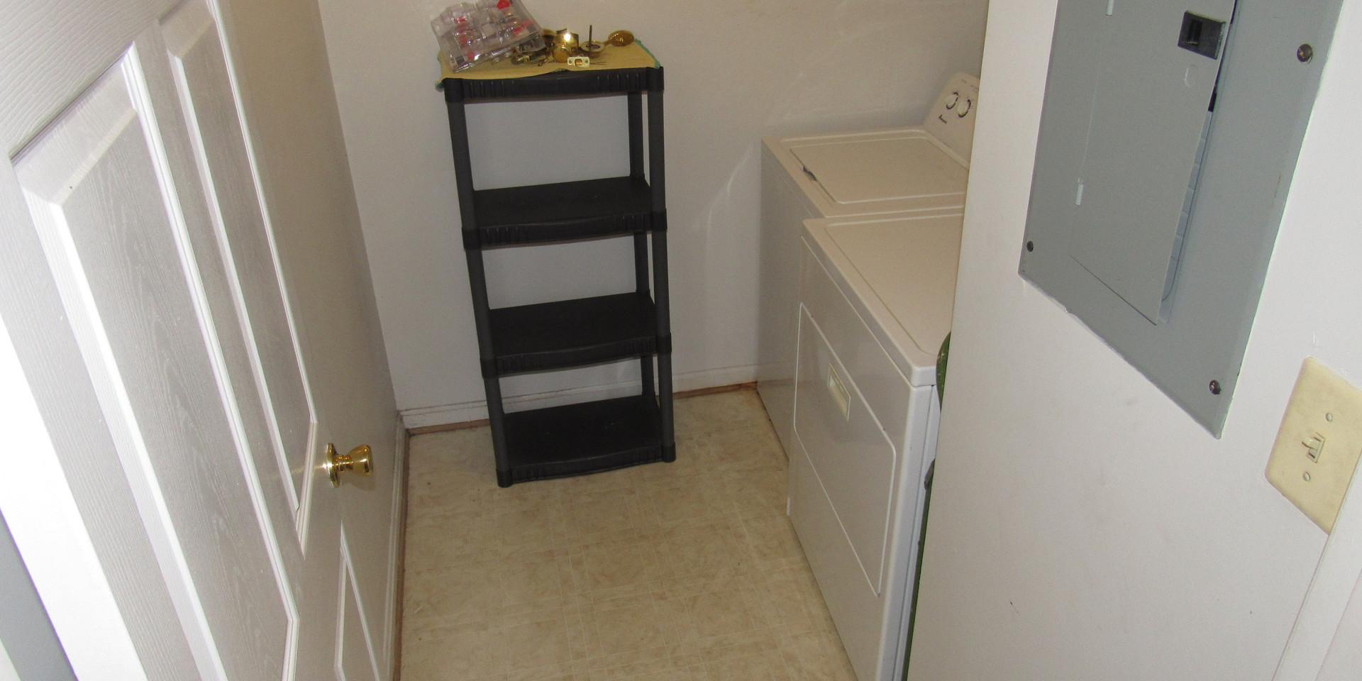 15 - Laundry Room.JPG