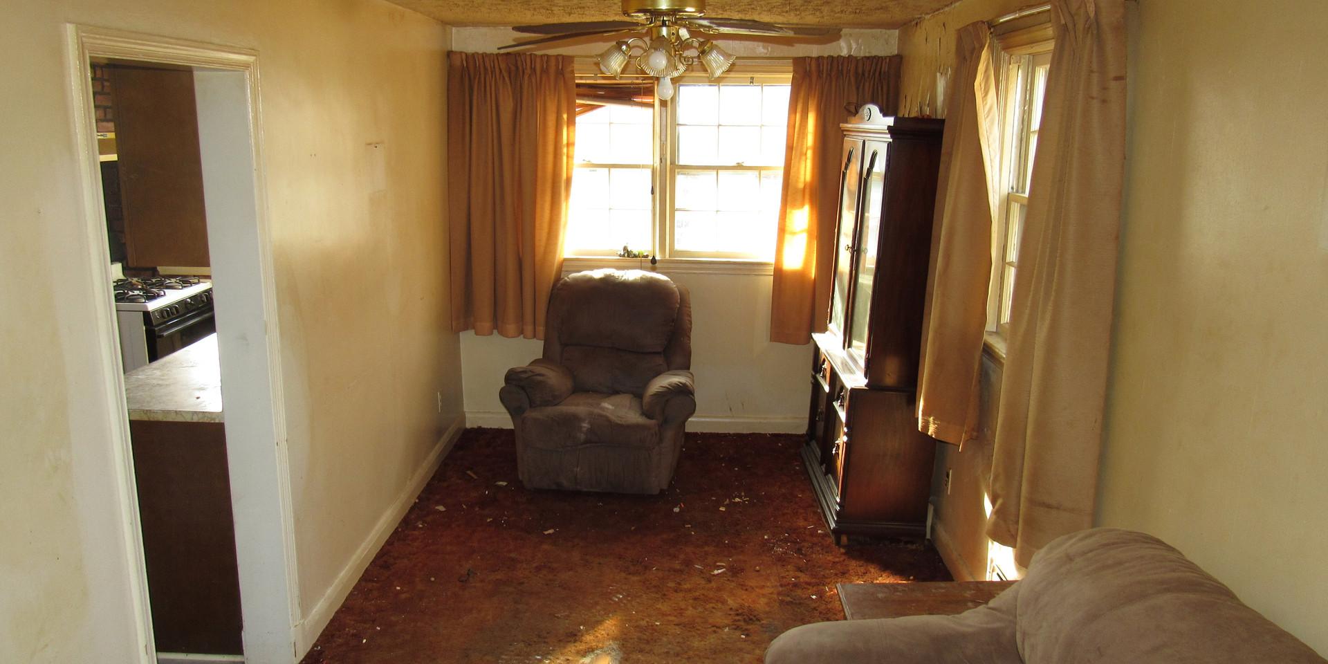 150 Dining Room.JPG