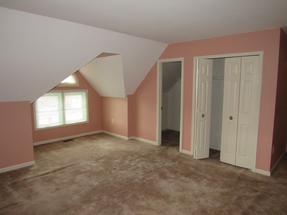400 Second Level Bedroom 3JPG.jpg