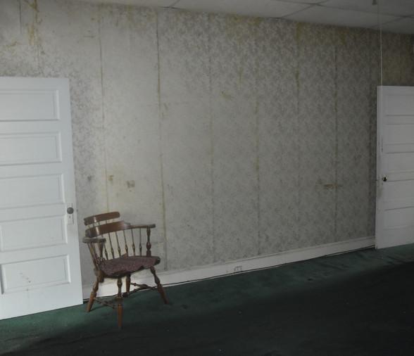 09 Dining Room.JPG