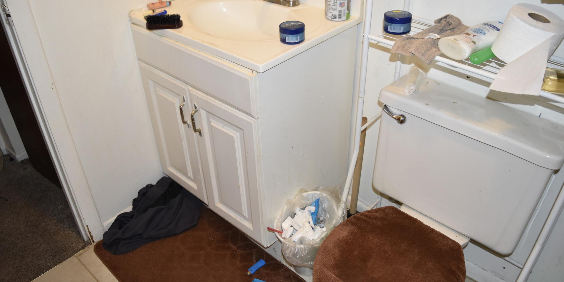 Unit 4 Bathroom 1.JPG