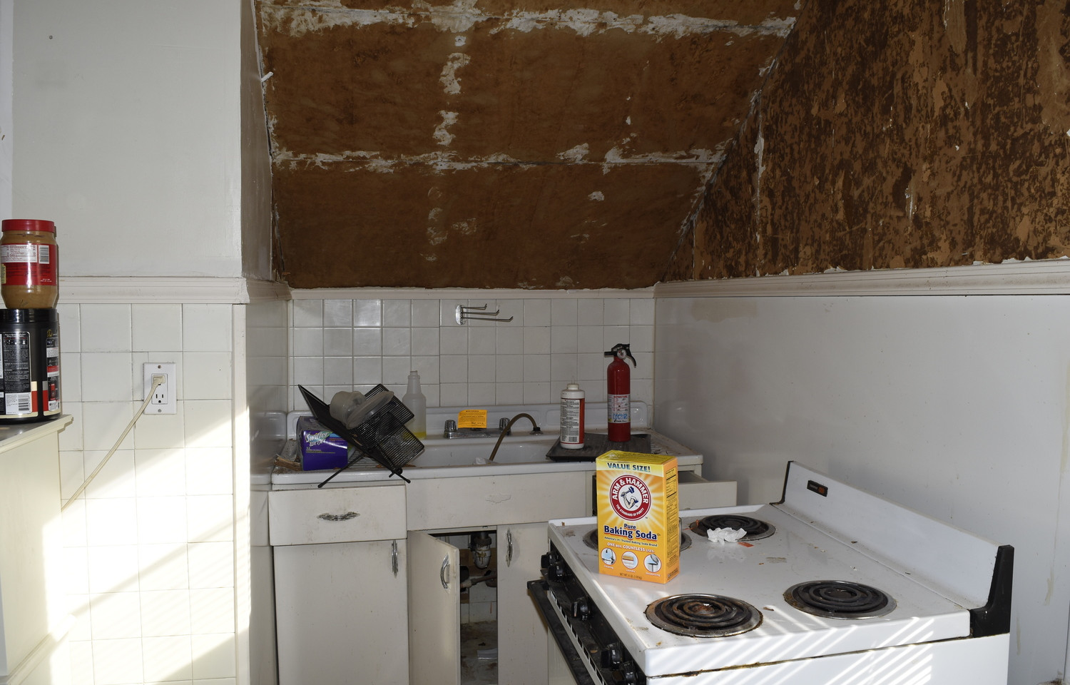 19.0 Apartment 2 Kitchen.jpg