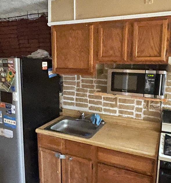 08 - Kitchen.jpg