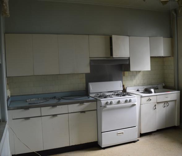 0.10 Kitchen.JPG