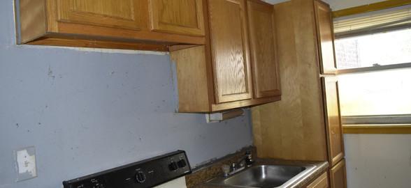 180 Kitchen (Apt 2).jpg
