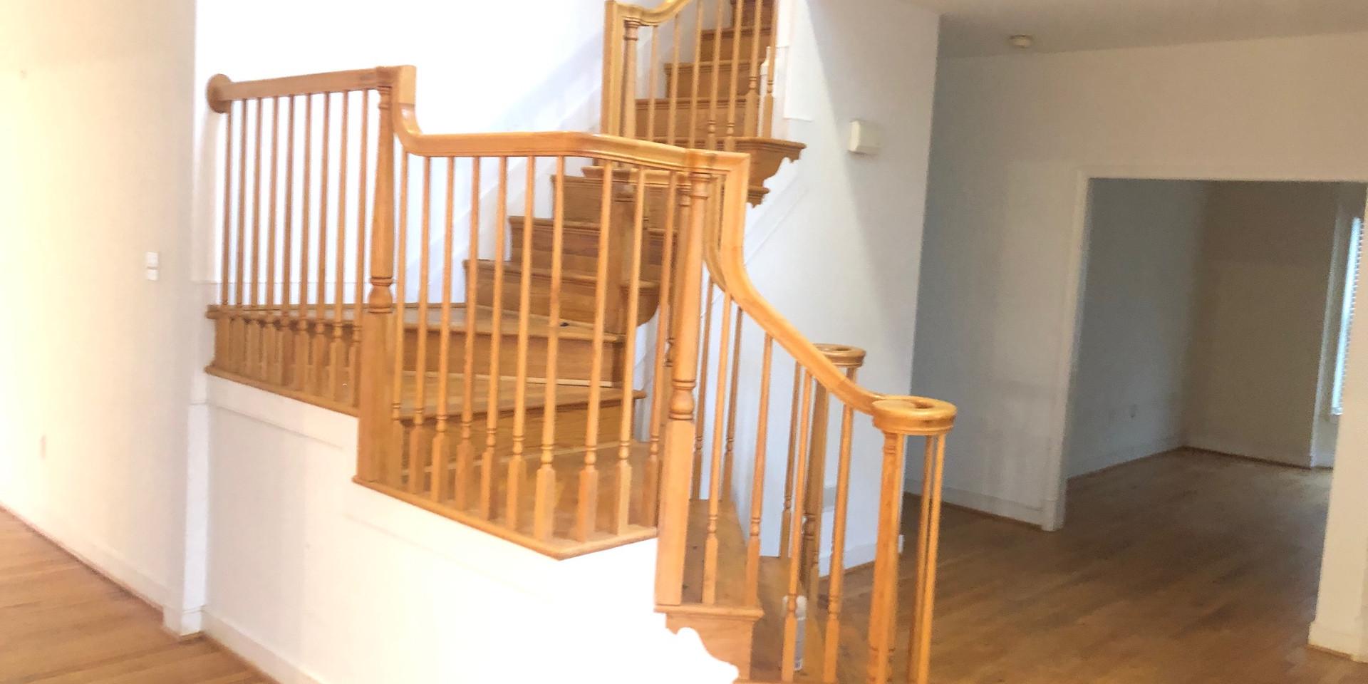 09 - Foyer.JPG
